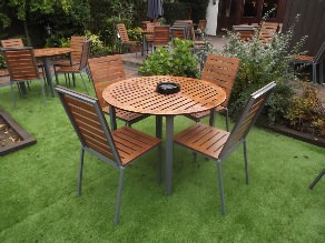 Endurance no maintenance outdoor round table